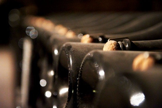 bottiglie Moet Chandon in fermentazione