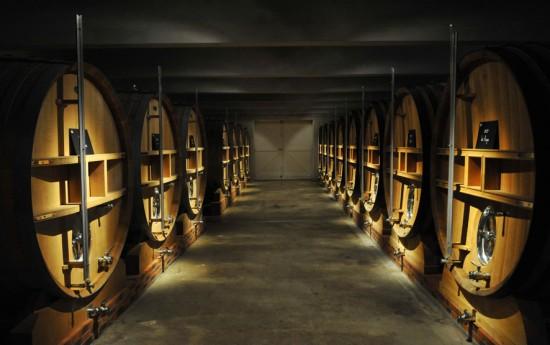 Botti da 47 hl in cui sono fermentati e maturati I vini Jacquesson