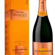 Bottiglia di Vintage Rosé, di Veuve Clicquot 2002