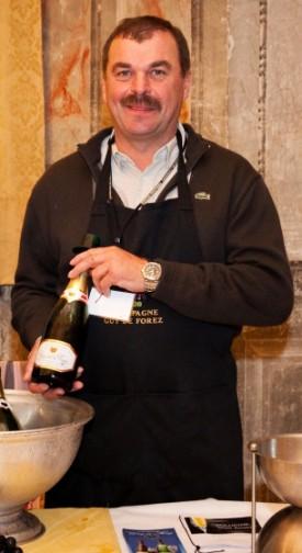 champagne, immagine di Francis, deus ex machina di Guy de Forez