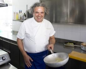 immagine dello Chef Aurelio Damiani in cucina