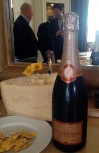 Champagne Roederer Rosé abbinamento con Grana Padano