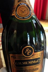 champagne verticale mumm, bottiglia lalou 1966