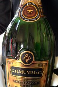 champagne verticale mumm, bottiglia lalou 1973
