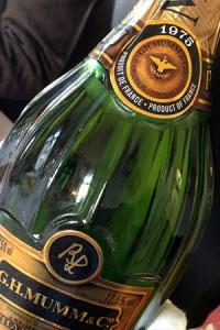 champagne verticale mumm, bottiglia lalou 1975