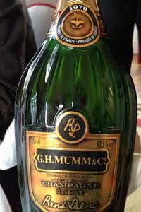 champagne verticale mumm, bottiglia lalou 1979