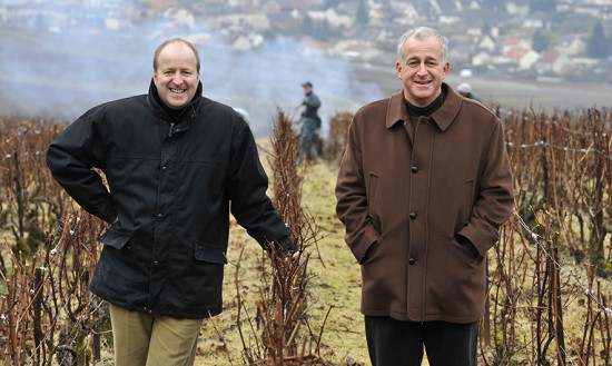 I signori Jacquesson, ovvero i fratelli Laurent e Jean-Hervé Chiquet in uno dei vigneti di proprietà a Dizy.