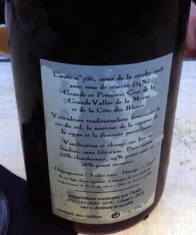 La controetichetta della Cuvée 736 è, come tutti gli champagne Jacquesson, foriera di numerose, utili informazioni.