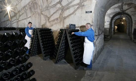 rémuage manuale dello champagne
