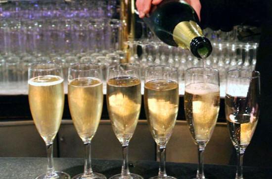 champagne per assaggio a corso