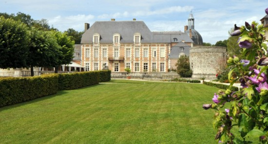 4-chateau-d-etoges