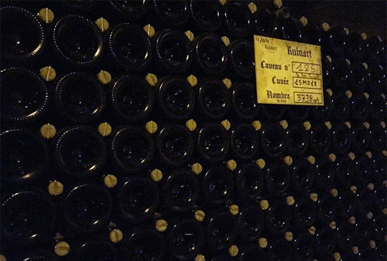 Bottiglie in cantina Dom Ruinart