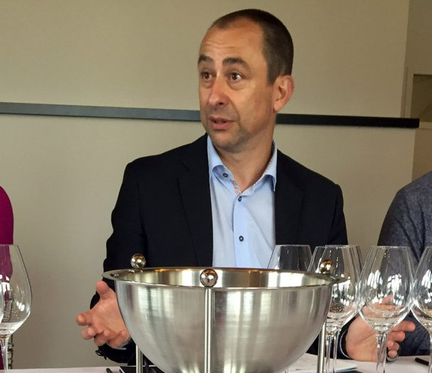 Degustazione degli champagne guidata dallo chef de cave Gilles Descôtes.