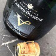 Champagne Canard-Duchêne V 2010