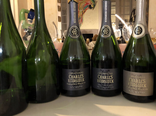 Bottiglie a cena a casa di Cyril