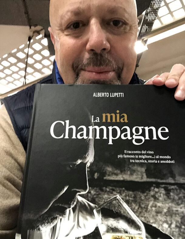 Alberto Lupetti con libro La mia Champagne